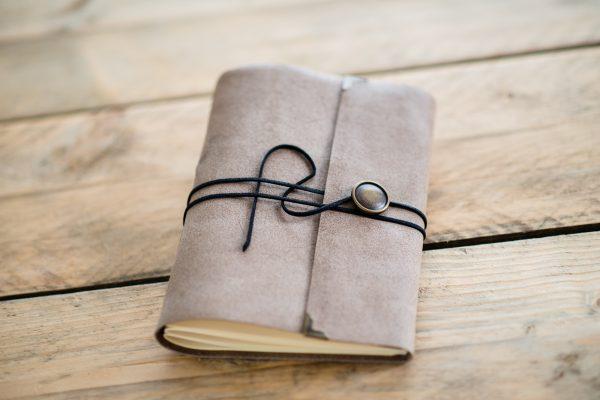 leren-gastenboek-bruin-soft-grain