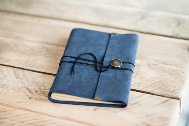 blauw-vintage-gastenboek-journal-handgemaakt-leer-blauw-05