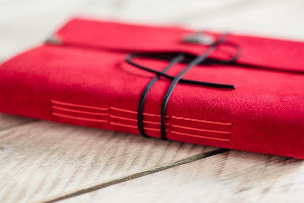 rood-bruiloft-gastenboek-leer-02